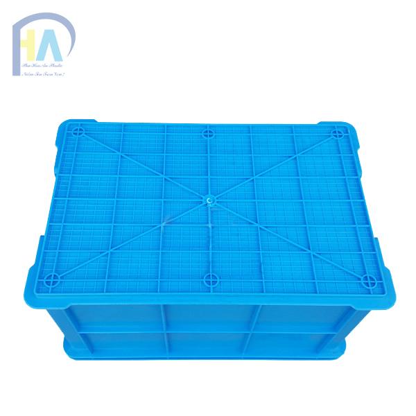 Thùng nhựa đặc B5 với các đường gân tăng cứng bền bỉ