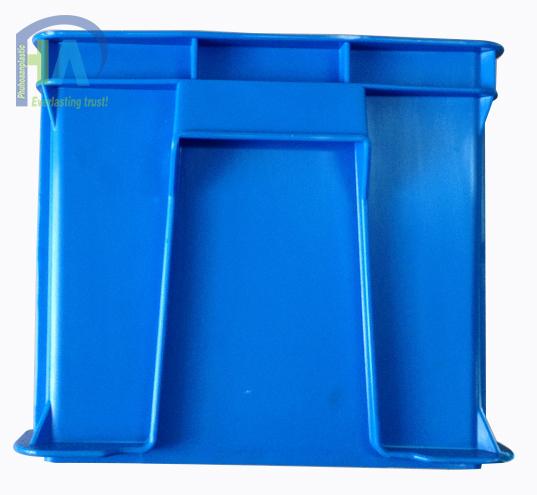 Thùng nhựa đặc B6 bền bỉ theo thời gian
