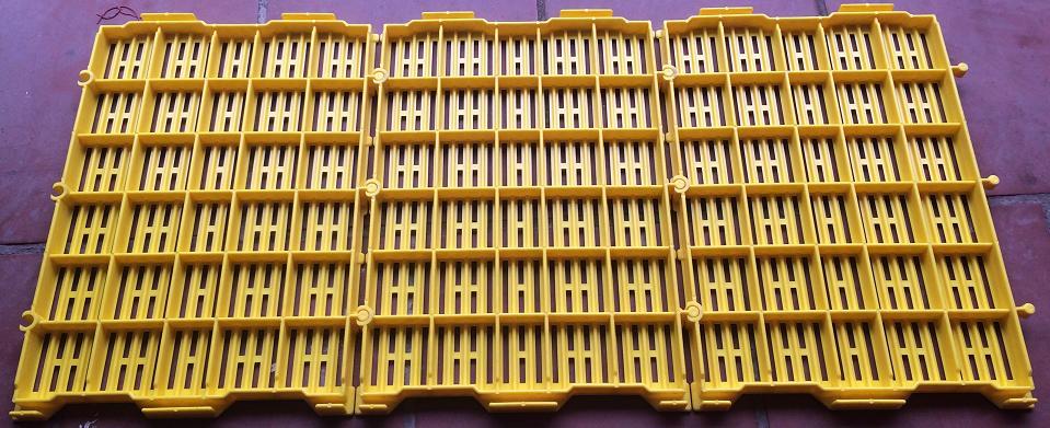 www.123nhanh.com: Tấm nhựa lót sàn cao cấp