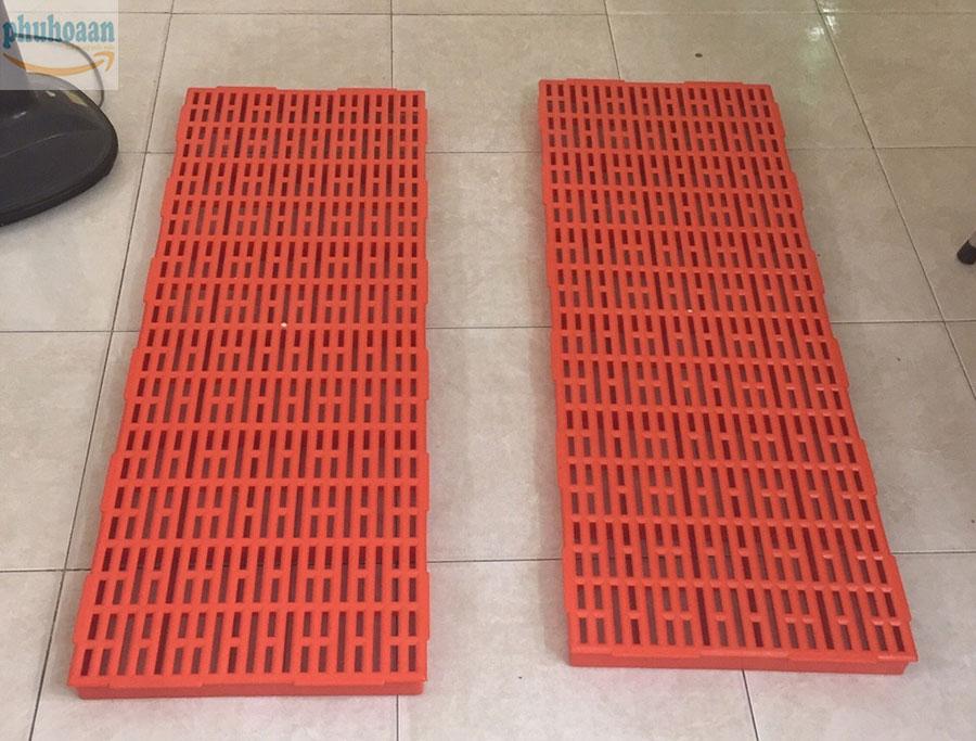 www.123nhanh.com: Tấm nhựa lót sàn 40x110mm Phú Hòa An chất lượng cao giá